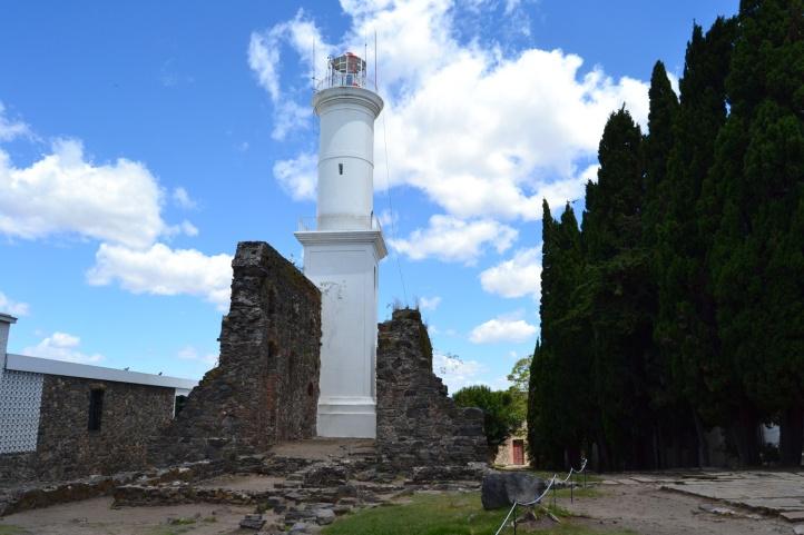 ruinas-convento-de-san-francisco-y-faro